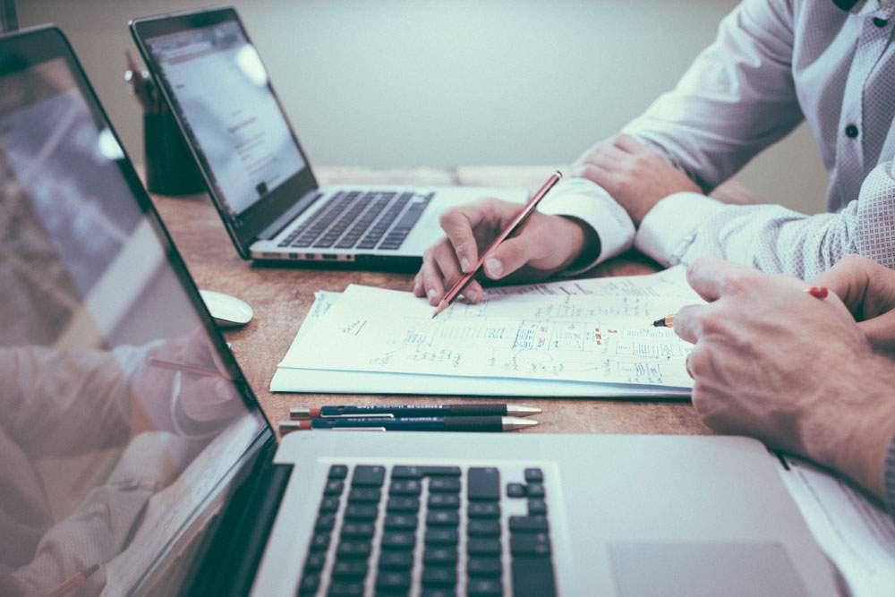 la phase de préparation du film passe par 3 étapes : écriture du scénario, découpage technique et gestion de projet